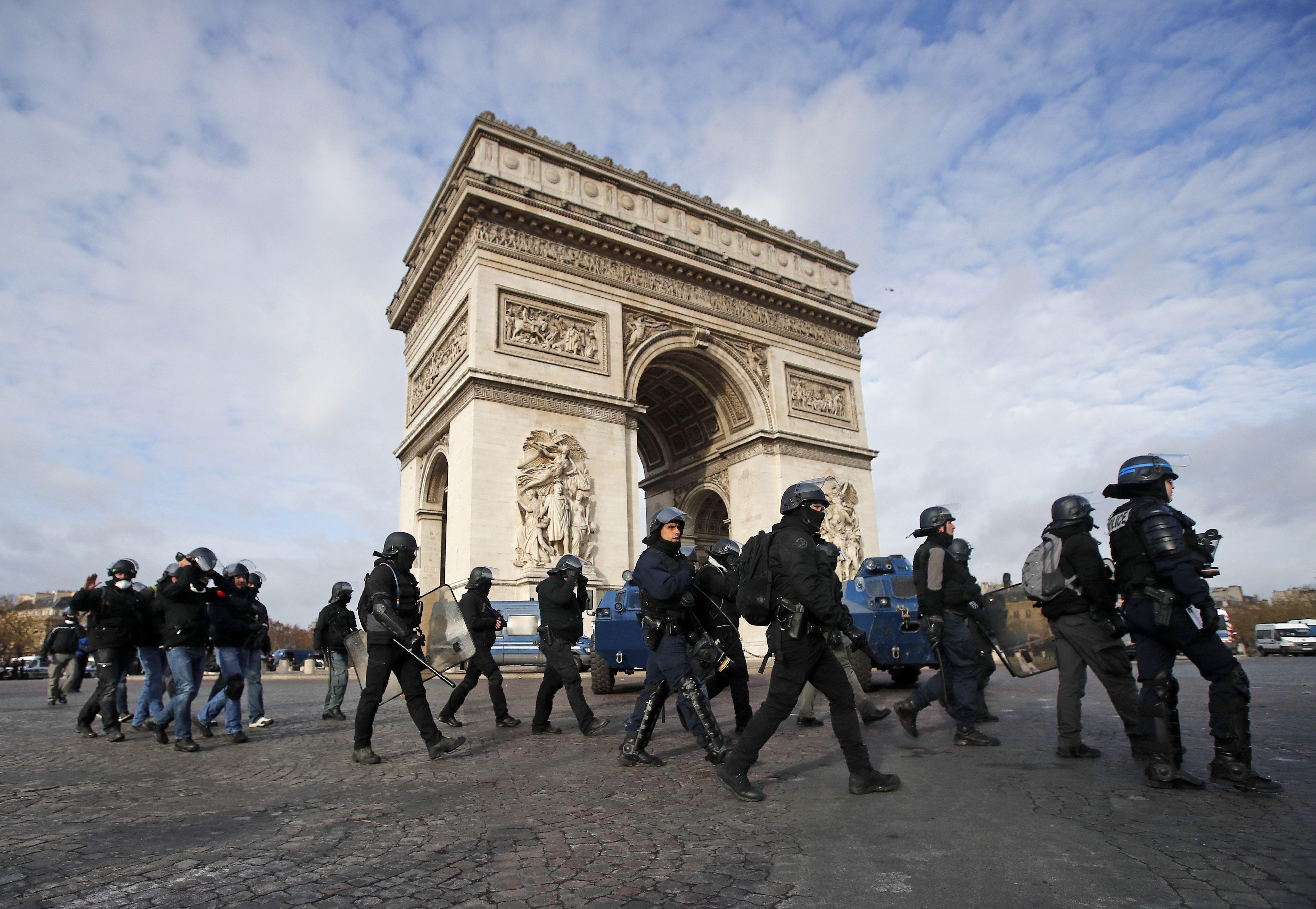 policia frança armilles grogues EFE