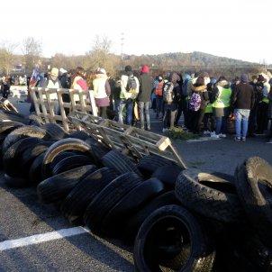 Tall AP7 barricades   ACN