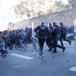 carregues encaputxats manifestacio 21-d - sergi alcazar