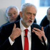 El líder laborista anuncia una moció de censura contra May