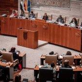 El PSOE extremeny desafia Pedro Sánchez i aprova aplicar el 155 a Catalunya