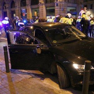 Cotxe VTC destrossat per taxistes manifestació - Efe