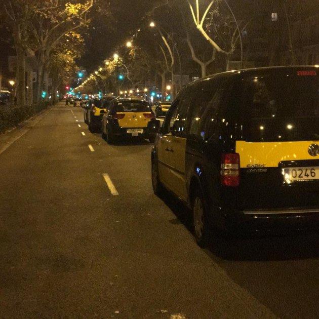 vaga taxis nit gran via - adria rovira