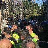 Mossos impedeixen taxistes Parlament Anton Rosa