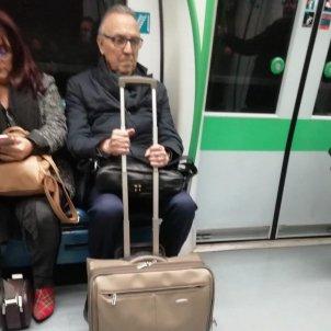 Gaspar maleta metro madrid