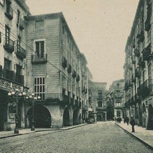 El Parlament de Catalunya es trasllada a Girona. Imatge de la Casa de la Ciutat de Girona (1930). Font Pedres de Girona