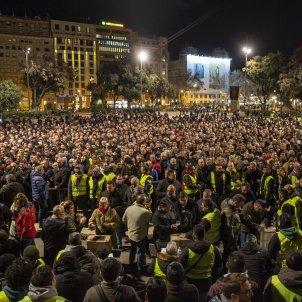 Assemblea taxistes votacions vaga plaça catalunya - Sergi Alcazar