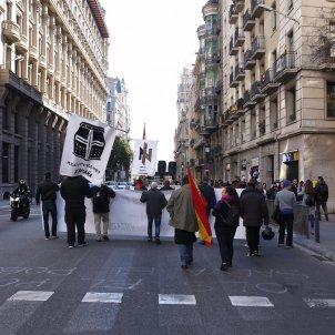 manifestacio feixista 80 anys ocupacio franquista barcelona carles palacio