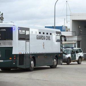 Entrada presos trasllat Alcalá Meco EFE