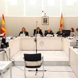 Imatge general de la sala de vistes de l'Audiència Nacional, amb el tribunal que jutjarà Trapero ACN