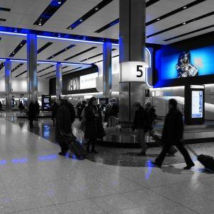 volveremos aeroport emigrants pixabay