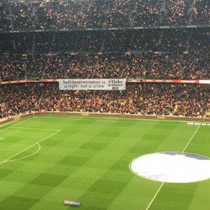 Pancarta 2 Camp Nou Barca Madrid Bernat Aguilar
