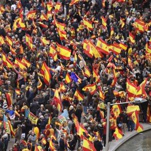 manifestacion Madrid banderas españolas contra dialogo EFE