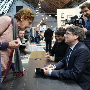 Puigdemont signa llibres Brussel·les ACN