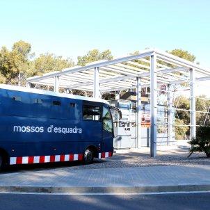 Autocar Mossos Esquadra presó Mas d'Enric - ACN