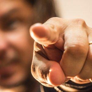 Assenyalar amb el dit (Rodolpho Zanardo)