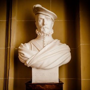 Estatua d'Hernán Cortés
