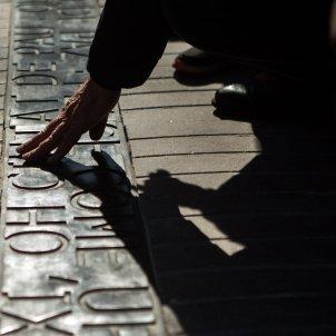 Placa Rambla atemptat 17-A memorial permanent - Efe