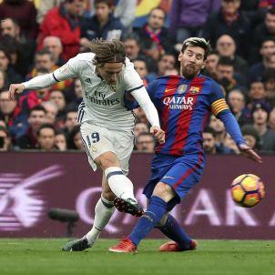 Leo Messi Luka Modric Barça Madrid EFE