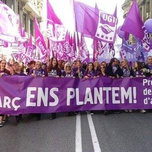 Manifestació CCOO UGT vaga feminista Barcelona - @UGTCatalunya
