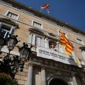 llaç groc i pancarta presos Palau Generalitat - Sergi Alcàzar