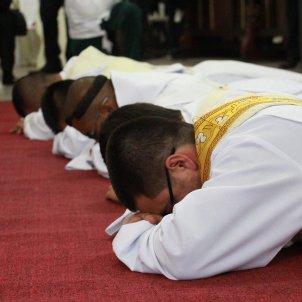 sacerdotes pixabay