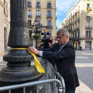 Alberto Fernández lazo amarillo Europa Press