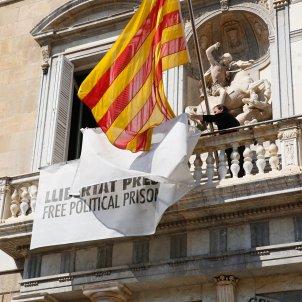 retirada pancarta llaç groc Palau març 2019 Sergi Alcàzar