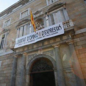 pancarta lliberat expressio palau generalitat - sergi alcazar
