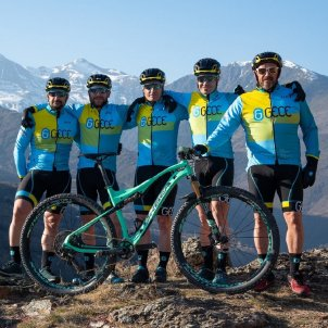 Ciclisme BTT Foto Gece Team