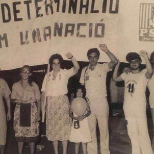 Militants socialistes pancarta autodeterminació   1977   El Punt