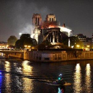 Notre Dame incendi EFE
