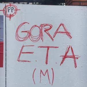 Pintadas contra el PP y a favor de ETA - Europa Press