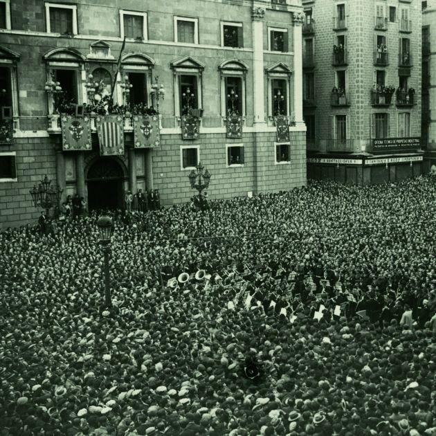 Proclamació de la República.Plaça Sant Jaume. Josep Maria Sagarra.