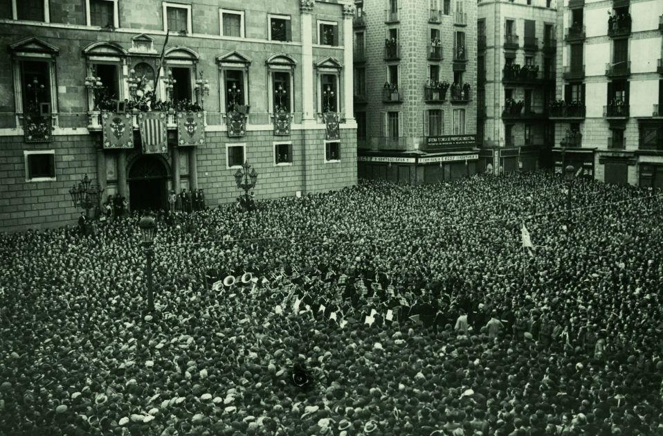Proclamación de la República.Plaça Sant Jaume. Josep Maria Sagarra.