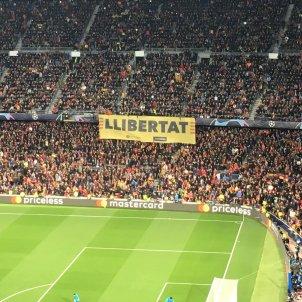 Pancarta llibertat Barca United Bernat Aguilar