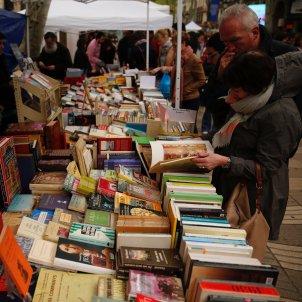 Ambient Sant Jordi parades llibres 2019 Sergi Alcàzar