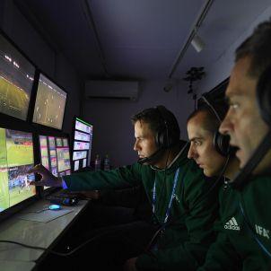 Àrbitres assistents de vídeo futbol videoarbitratge Efe
