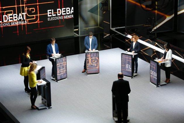 Arrimadas empieza el debate de TV3 exigiendo la dimisión del moderador