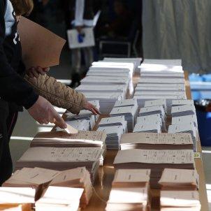 eleccions generals 28a urna vot efe