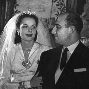 Mor Muñoz Ramonet, paradigma de la corrupció franquista. Julio Muñoz i Carmen Vilallonga en les seves noces (1946). Font Ajuntament de Barcelona