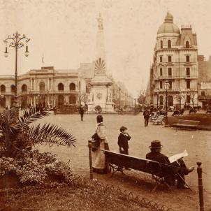 Avenida de Mayo, prop del Teatro del Provenir. Buenos Aires (1890). Font Taringa