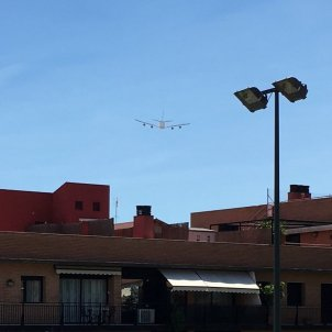 Avió sobrevolant Granollers