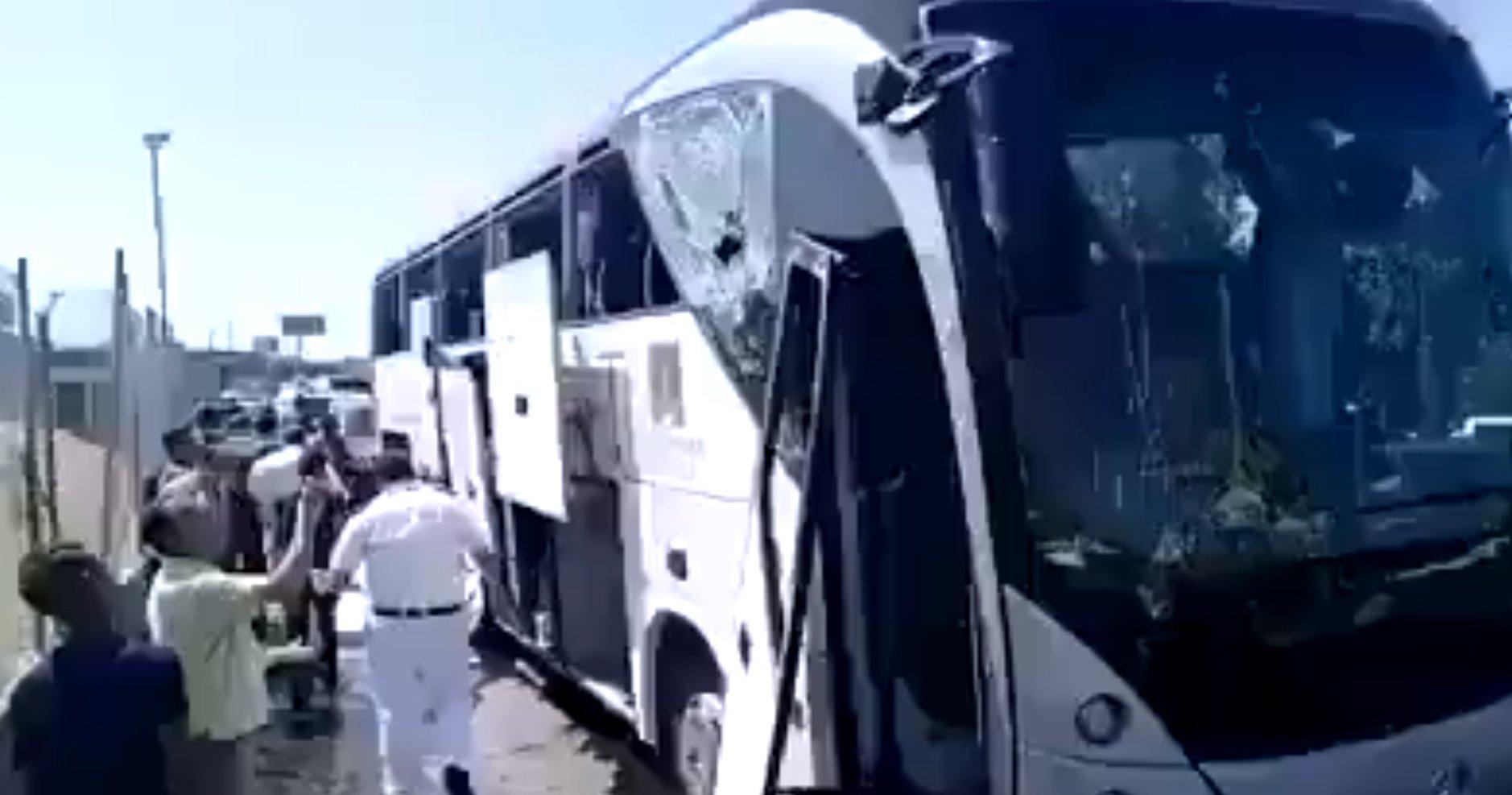 explosicio bus turistic Caire Arab News