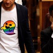 Samarretes reivindicatives Congrés - Santiago Abascal LGTBI - EFE