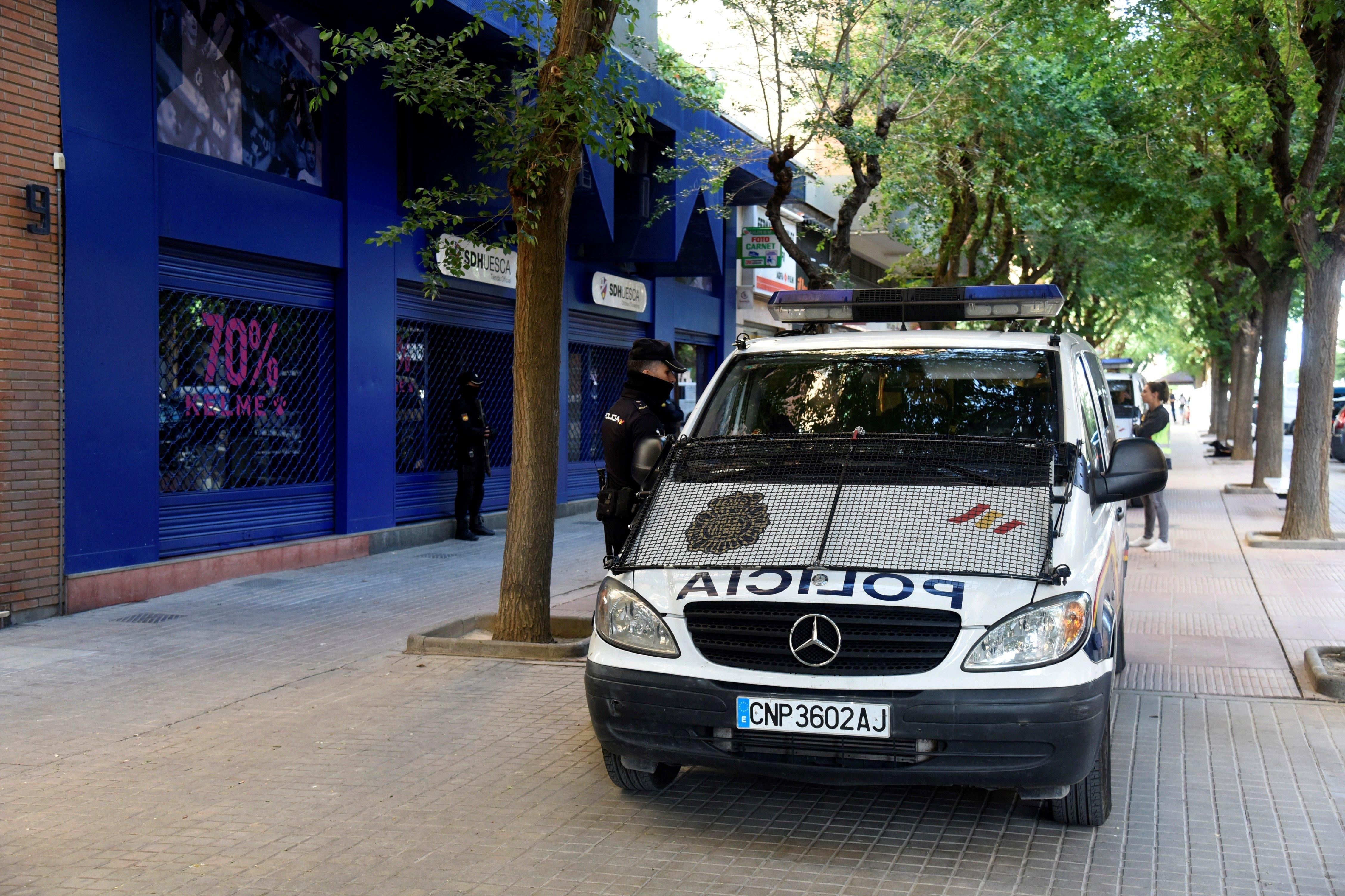 Policia Nacional seu Osca futbol EFE