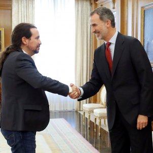 Pablo Iglesias i Felip VI investudura EFE