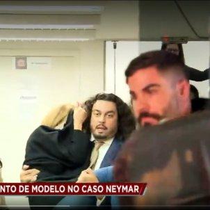 Najila desmaiada Neymar Violació
