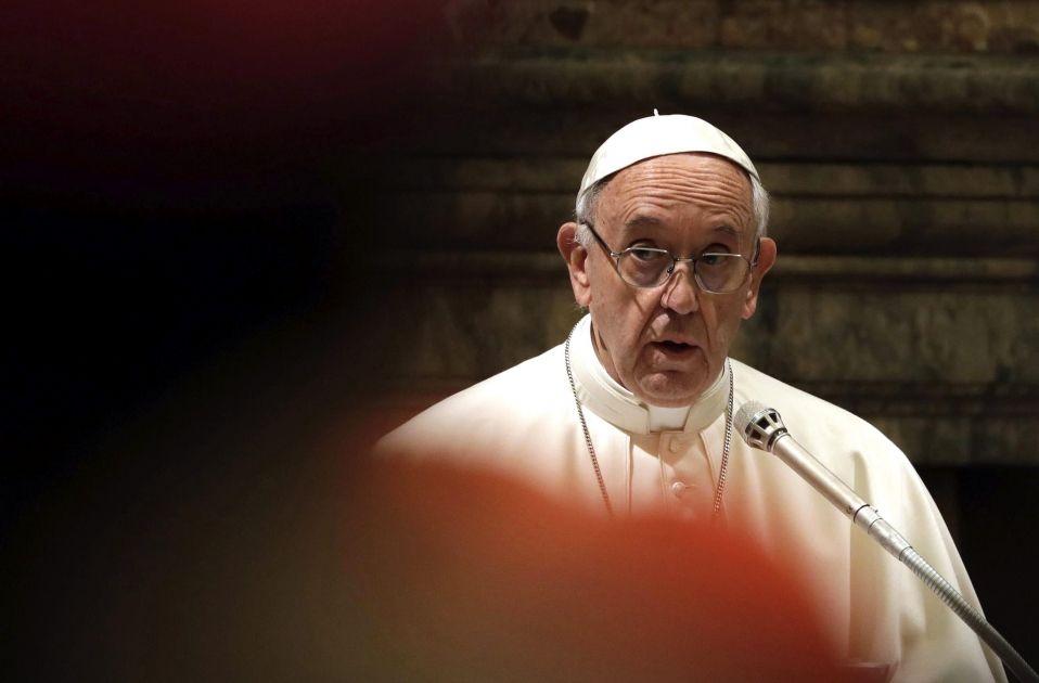 papa Francisco felicita Navidad al Vaticano 20161222 (EFE Gregorio Borgia)