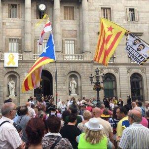 mani plaça Sant Jaume Valls DNIcatala